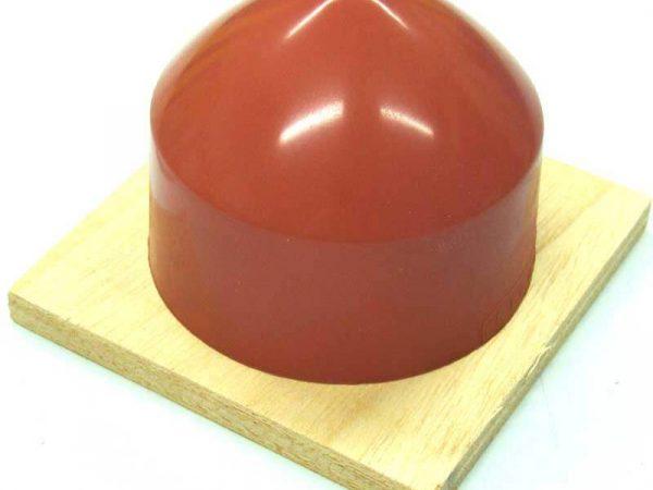 Les impressions sur forme concave ne sont plus un problème grâce à la tampographie. De forme standards ou sur mesure DMA, fort de son expérience dans la conception et la fabrication de machine de marquage, vous propose un large choix de tampons.