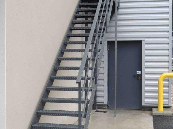 DMA, der Montagemaschinenhersteller, fertigt Ihre Treppe auch dank seiner Abteilung Kesselbau.
